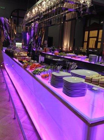 Inn Ox Lounge: buffet