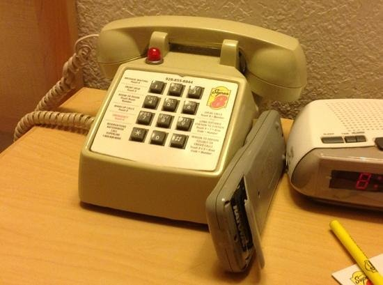Super 8 Lake Havasu City: telephone back to the future