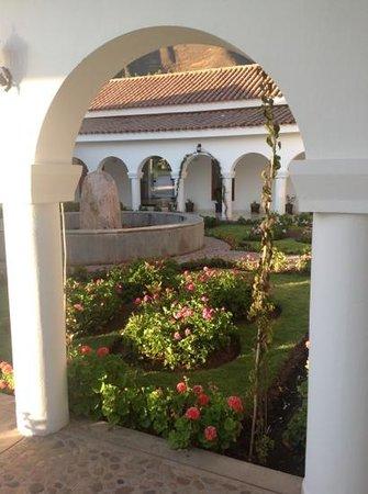 Hotel Agustos Urubamba: vu sur la patio de la reception