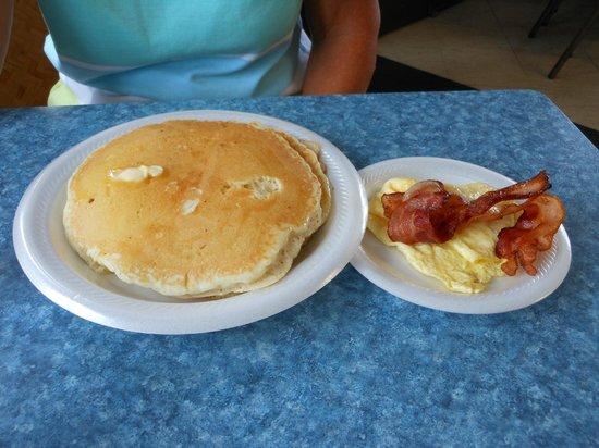 Hukilau Cafe: Pancake Special $5.25