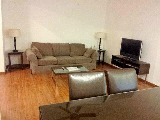 Wedgewood Residences: Living room