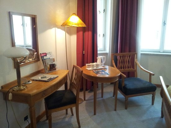 Parkhotel Laurin: Zimmer