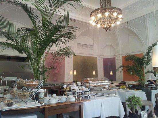Parkhotel Laurin: Restaurant innen