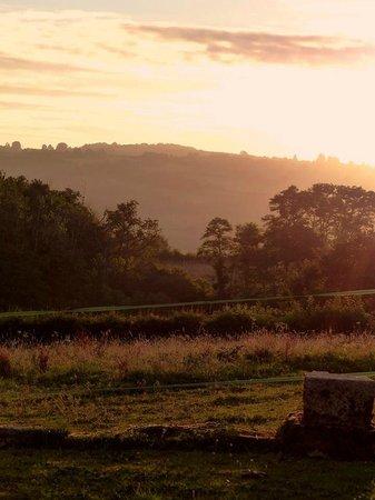 4 Saisons-en-Morvan : Lever de soleil vu de la chambre Porthos