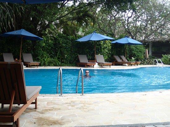 Sheraton Maldives Full Moon Resort & Spa: Pool area