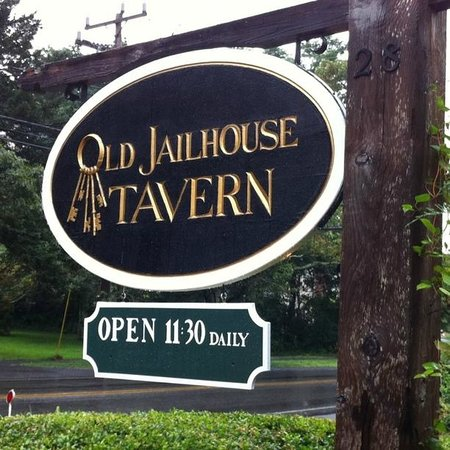 Jailhouse Tavern: Great place!