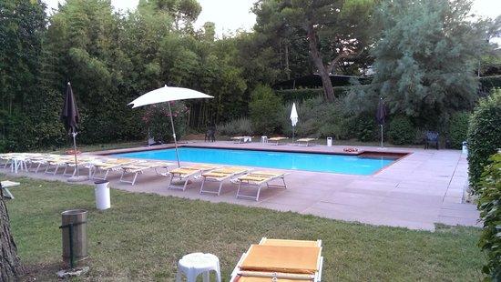 Piscina picture of residenze al colle dei pini riccione - Residence riccione con piscina ...