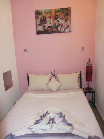 Riad Dar Saba: Chambre eau de rose