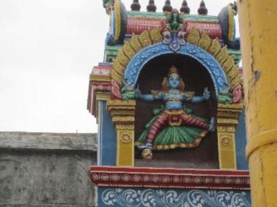 Ulaga Alanda Temple