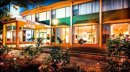 Comfort Inn Regal Park: Regal Park Motor Inn