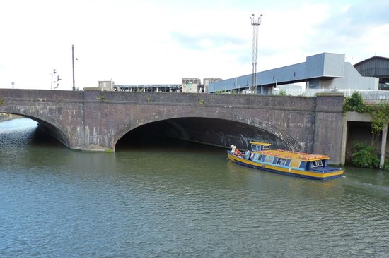 Bristol Ferry Boats: Il traghetto
