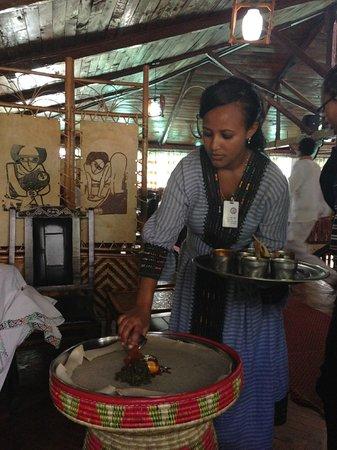 Finfine Restaurant And Hotel : Preparing the enjera
