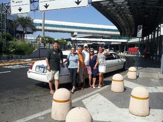 Roma Limousine Car Service - Tour: Start Limousine drive