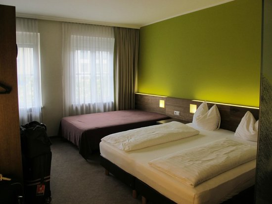 Basic Hotel Innsbruck: Comfortable Beds.