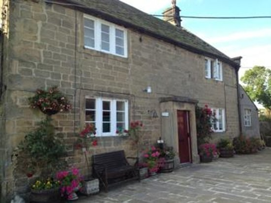 Stanton in Peak, UK: Front of the farmhouse