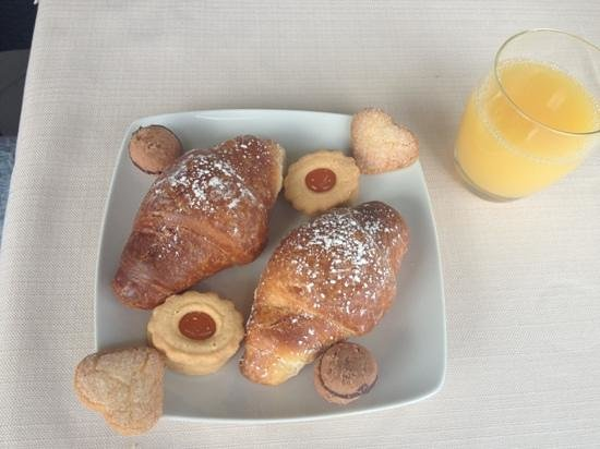 Ristorante San Carlo : colazione al lago...