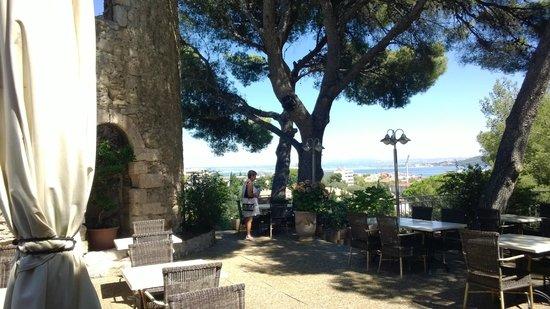 Hotel Saint Roch : terrasse