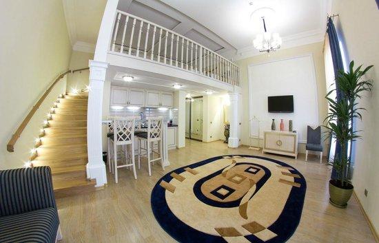 Metro Hotel Apartments Hotel: Номер категории Люкс