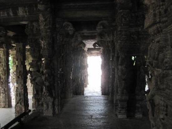 100 Pillar Hall Varadaraja Temple