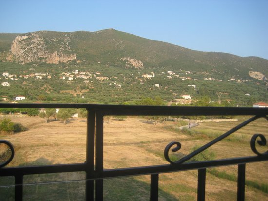 Roula Apartments: aniother view