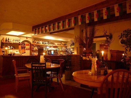 The Lighthouse Inn: Bar Area