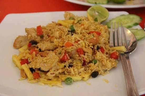 Sitti Cafe and Restaurant: pineapple fried rice