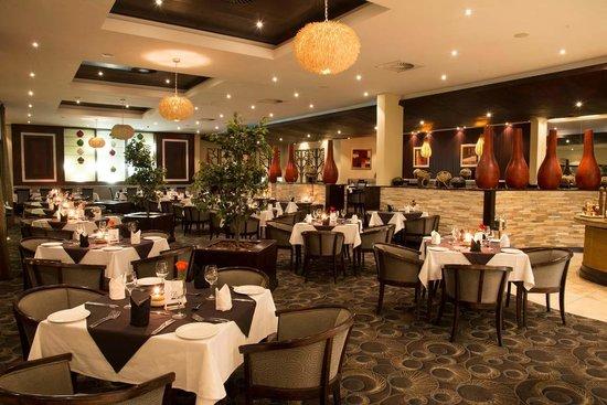 Premier Hotel OR Tambo: Restaurant