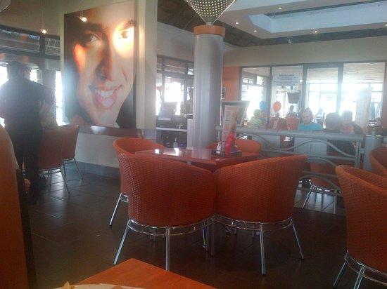 Maxi's Restaurant: inside diner