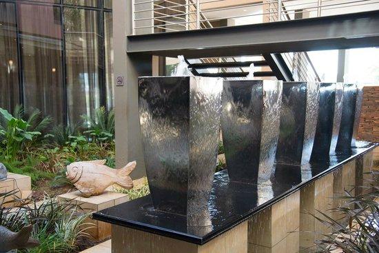 Premier Hotel OR Tambo: Hotel Gardens