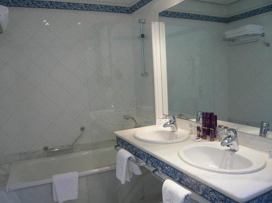 Parador de Olite : salle de bain ch.101