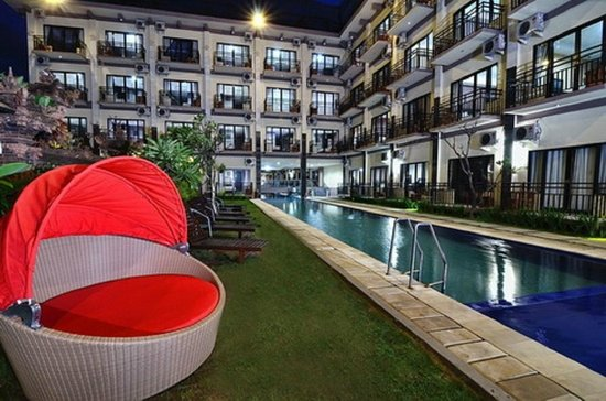 The Aroma's of Bali Hotel & Residence: pool