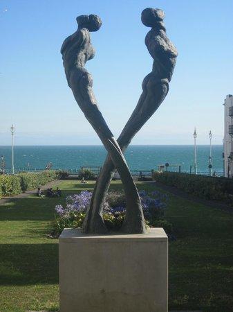 Kemptown : statue in Kemp Town