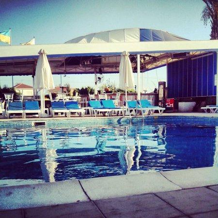 Mariandy Hotel: pool