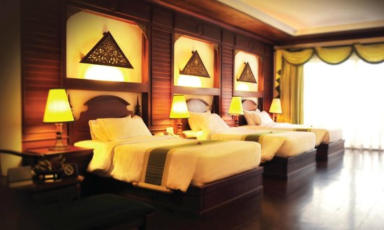 Borei Angkor Resort & Spa: Landmark Triple Room