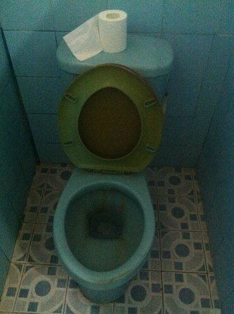 Coral Bay Bungalows: Les toilettes