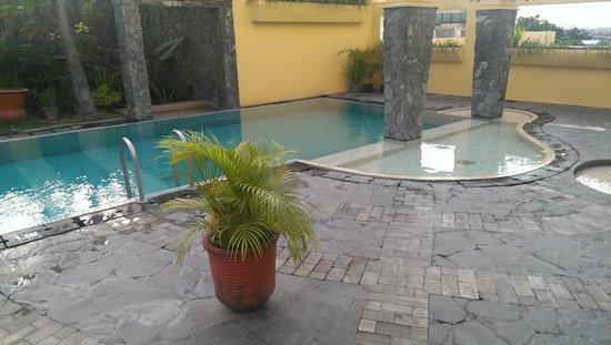 Hotel Ibis Yogyakarta Malioboro: zwembad