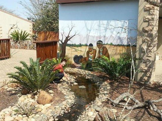 Zulu Croc: Beautiful murals
