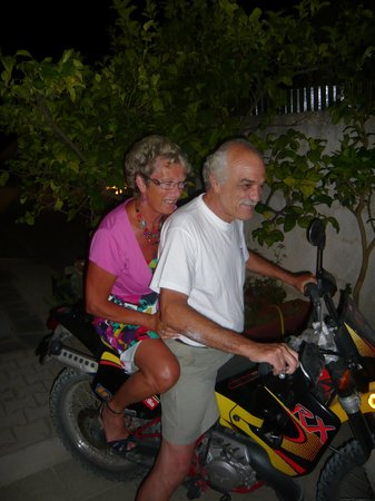 Trapezaki Bay Hotel : Niko 'abducting' my wife!