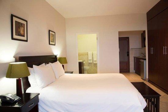 Splendid Inn Port Edward: Guest bedroom