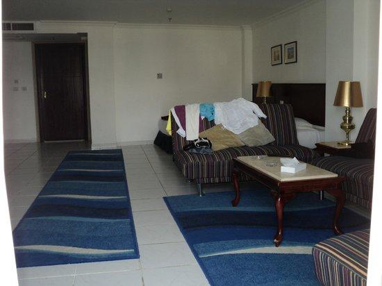 Golden 5 Topaz Suites Hotel: номер
