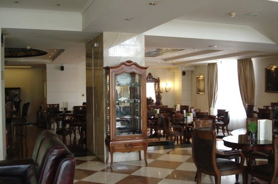 Mediterranean Palace Hotel: The café-bar The Hours