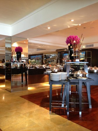 Feast at Royal Orchid Sheraton Hotel & Towers: Feast