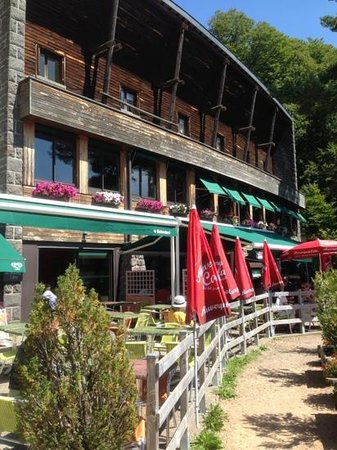 Lac Pavin Hotel Restaurant