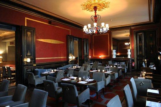 Le salon principal picture of cafe marly paris for Le salon paris