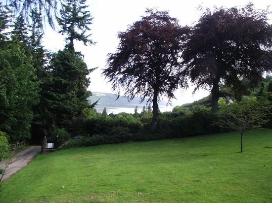 Foyers Bay Country House: View to Loch Ness from Foyers House