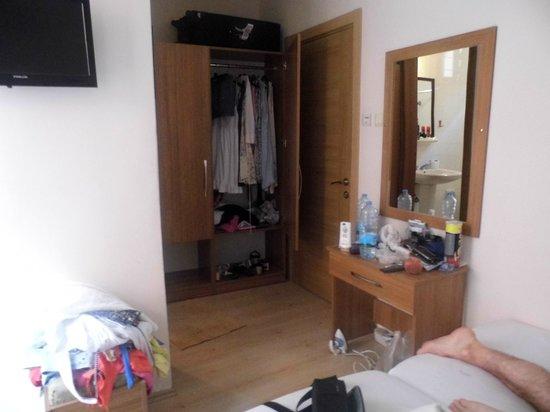 Delta Hotel : hotel room