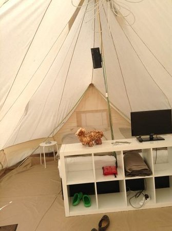 Glamping Ecochique: tent