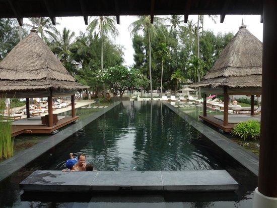 SALA Samui Resort And Spa: Schwarzer Pool