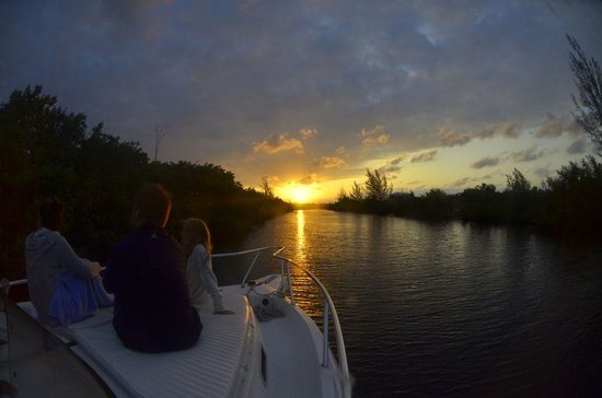 Cayman Private Charters: The Cayman Sunset - Lovely!