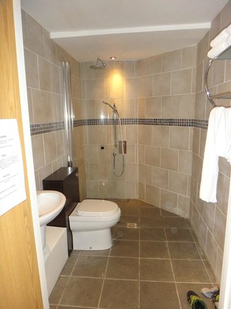 The Ferryboat: our lovely large ensuite